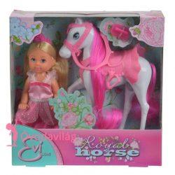 Évi Love hercegnő királyi lóval